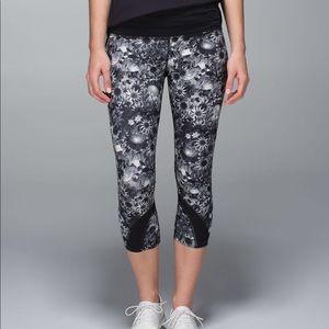 Lululemon flowabunga crop leggings 4